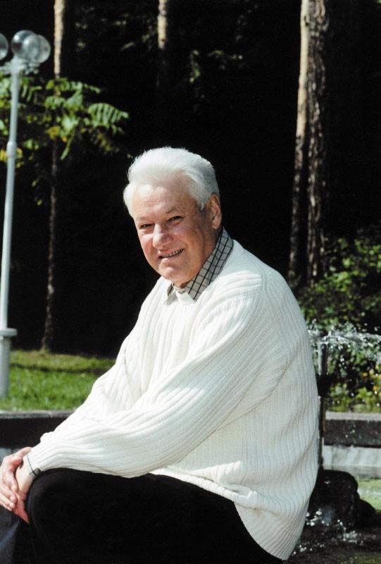Почему Ельцин досрочно ушел в отставку