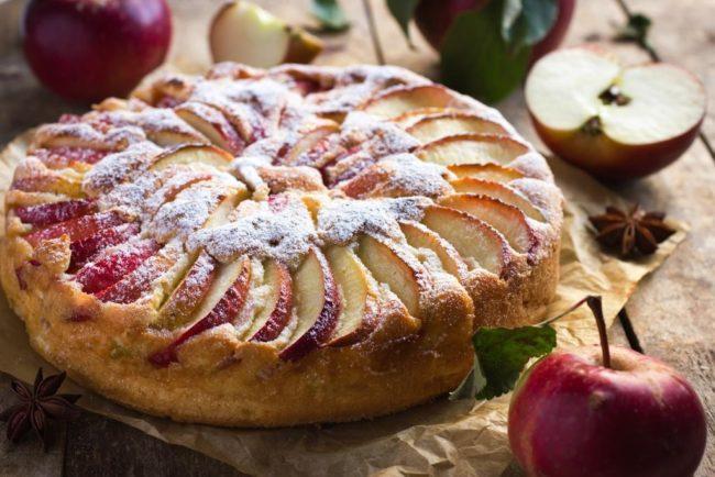 Лакомый тыквенный пирог с яблоками